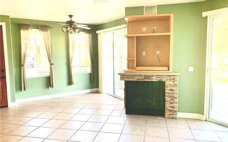 26512 Bryce Road Living Room