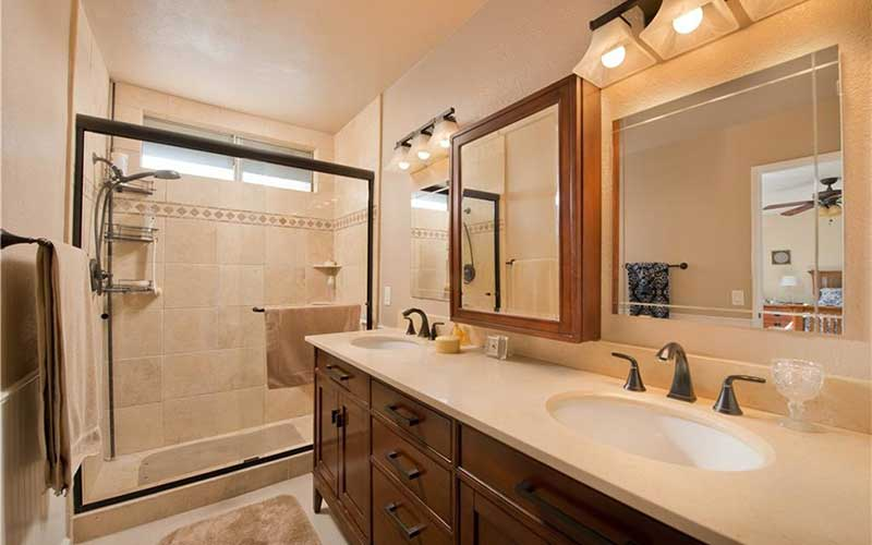 Sam Place Master Bathroom