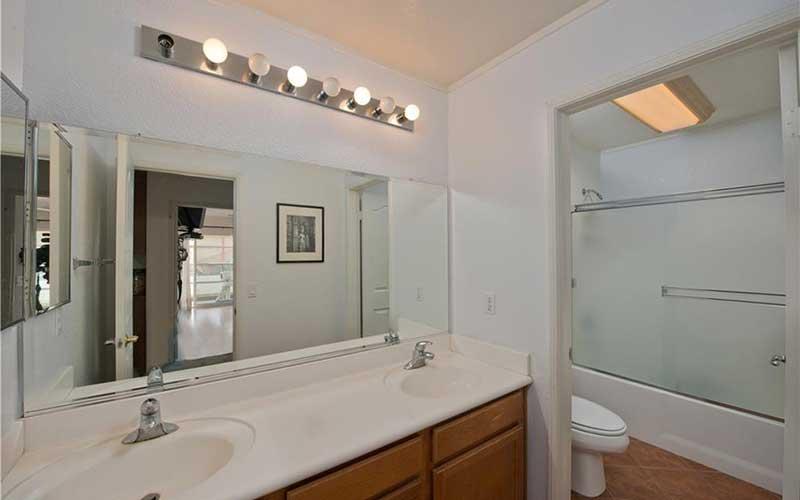 34405 Aspen Secondary Bathroom