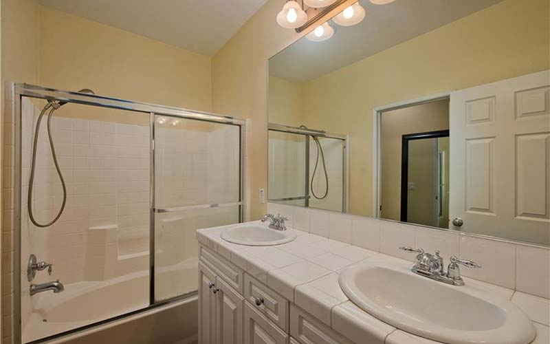 24138 Meadowlark Lane Bathroom