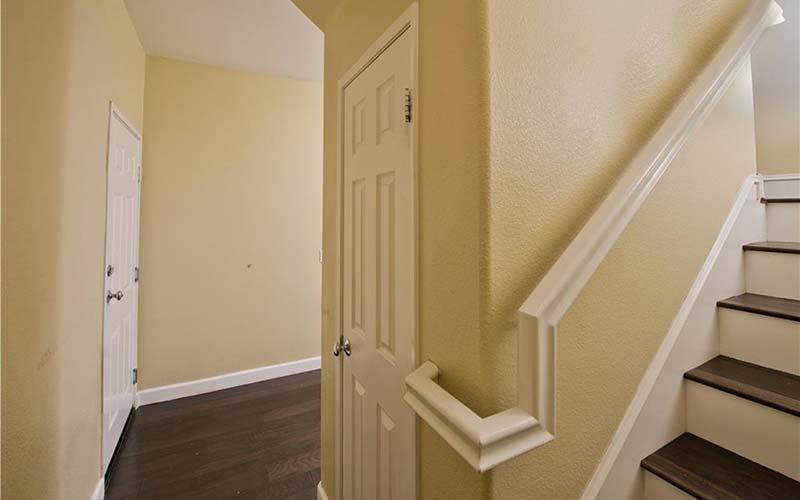 24138 Meadowlark Lane Hallway