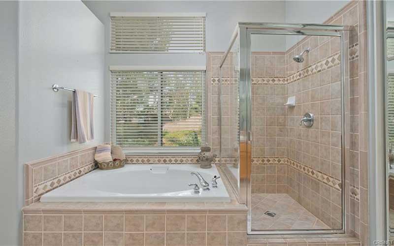 Primary Bath at 23253 Sorrel Court